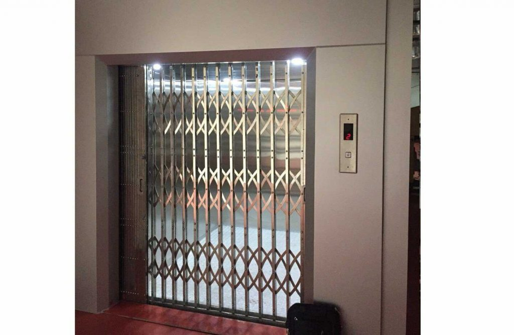 các tính năng khác của thang máy chở hàng